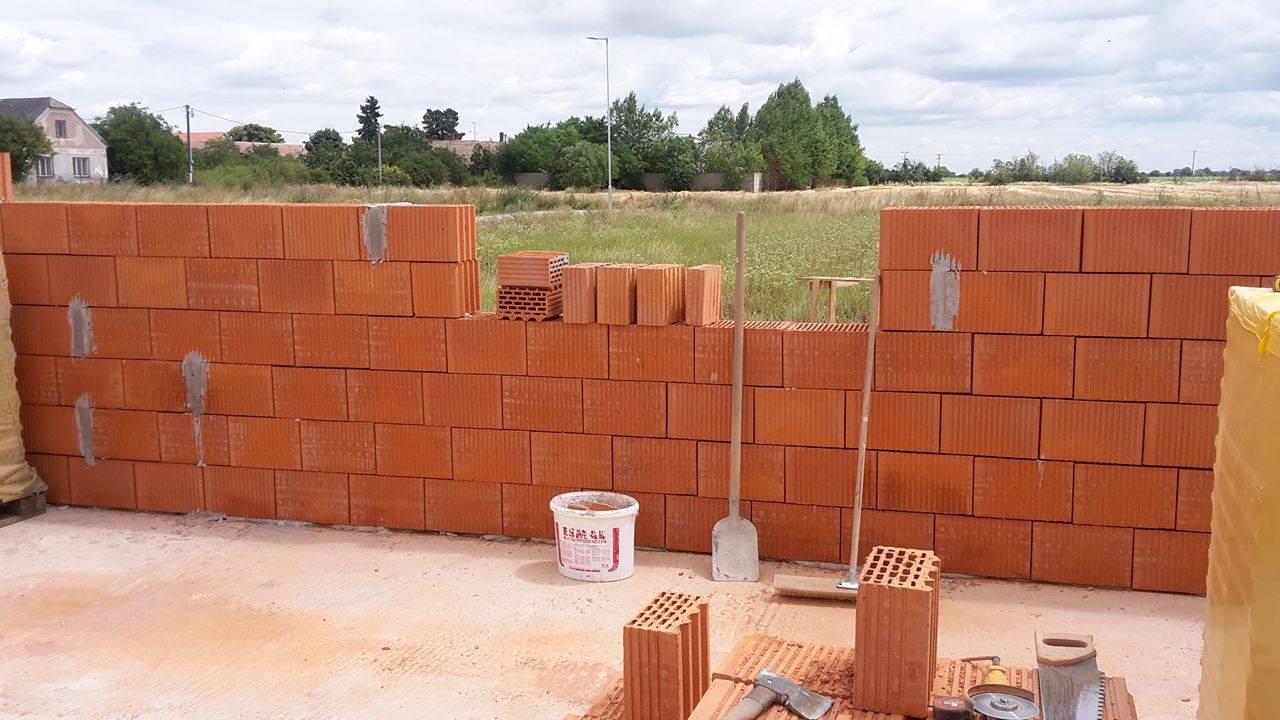murovanie obvodových stien rodinného domu